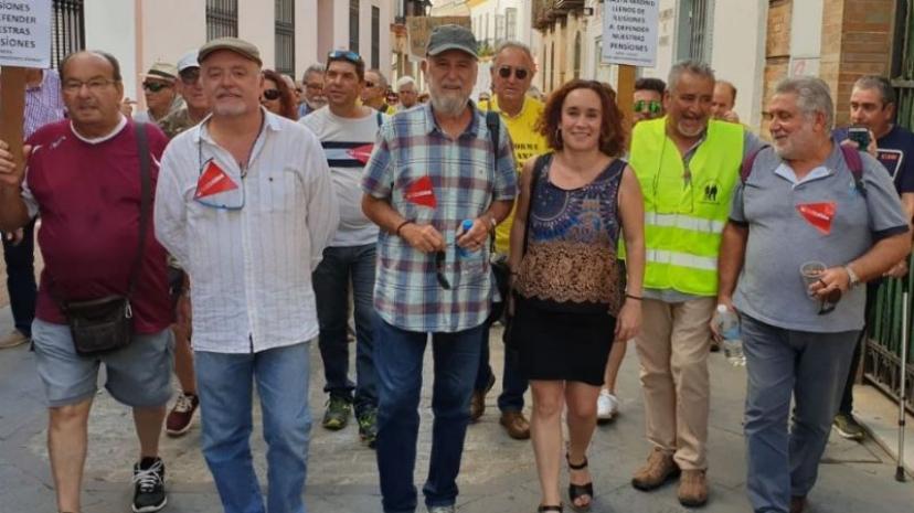 Crónica del recibimiento en Utrera a la Marcha de Pensionistas de Rota
