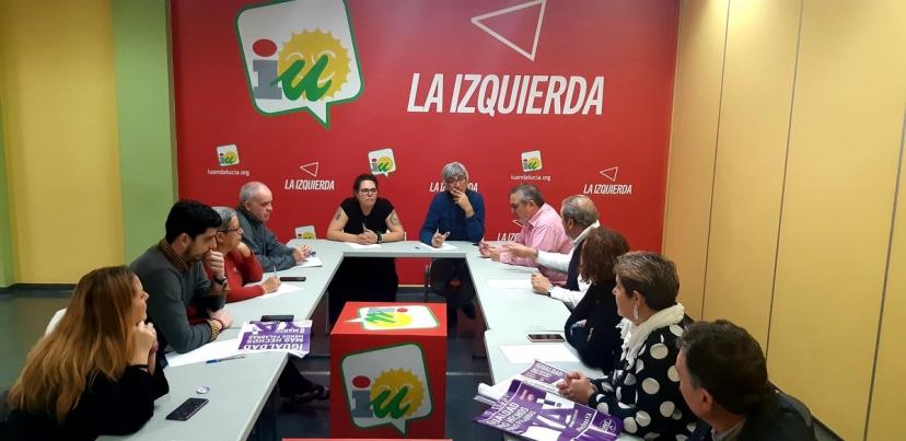 IU Sevilla y los sindicatos CCOO y UGT han mantenido hoy una reunión con motivo de los actos del 8M
