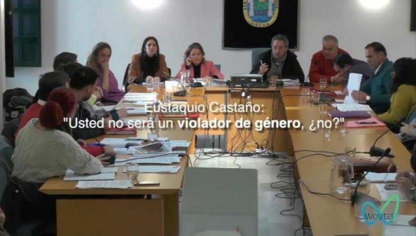 """Sanlúcar la Mayor: el alcalde, Eustaquio Castaño, llama en el pleno """"violador de género"""" al portavoz de Adelante, Vicente Terenti"""